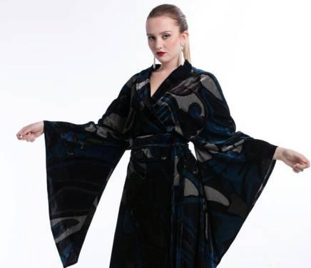 Abiti Eleganti Kimono.La Siritide 11 12 2017 Il Kimono Da Senise Nuovo Must Have