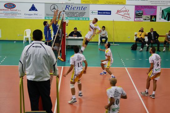La siritide 17 10 2011 volley b2 nicodemo lauria for Nicodemo arredamenti